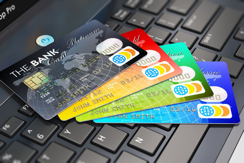 By rule, foreign firms take 0.04 percent on domestic purchases made on credit cards that carry their brand name. The fee on overseas use is approximately 0.2 percent. (image: Korea Bizwire)