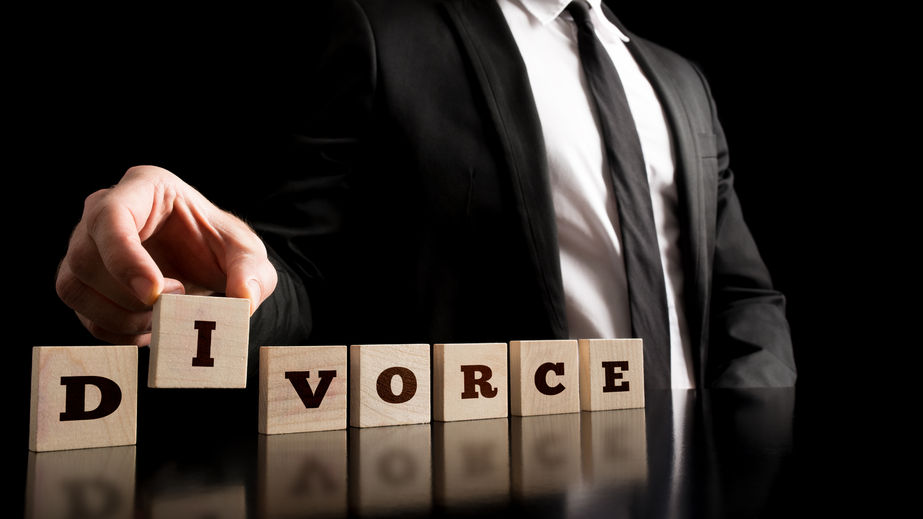 As the court has ruled adultery unconstitutional, there will be more civil lawsuits over compensation and divorce rulings. (image: Kobiz Media / Korea Bizwire)