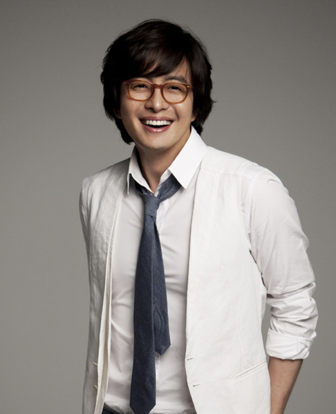 Actor Bae Yong-Joon Breaks Up with Lover