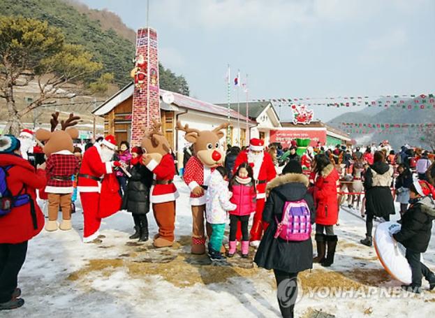 Buncheon Santa Village, Snow Wonderland on KORAIL's V-Train Line4