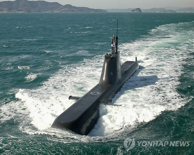 The Navy operates nine 1,200-ton submarines and four 1,800-ton subs, while planning to add five more 1,800-ton submarines to be built by 2019. (Photo courtesy of Yonhap)