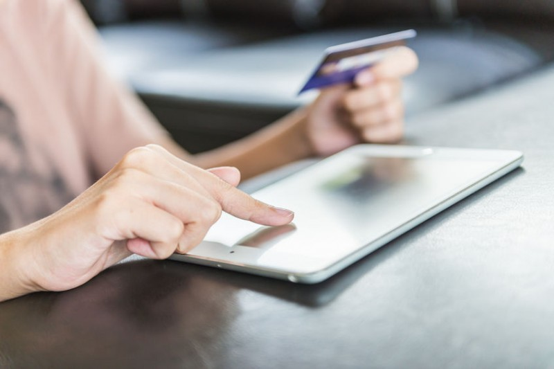 Mobile Shopping Sales Break 10 Tln Won for First Time