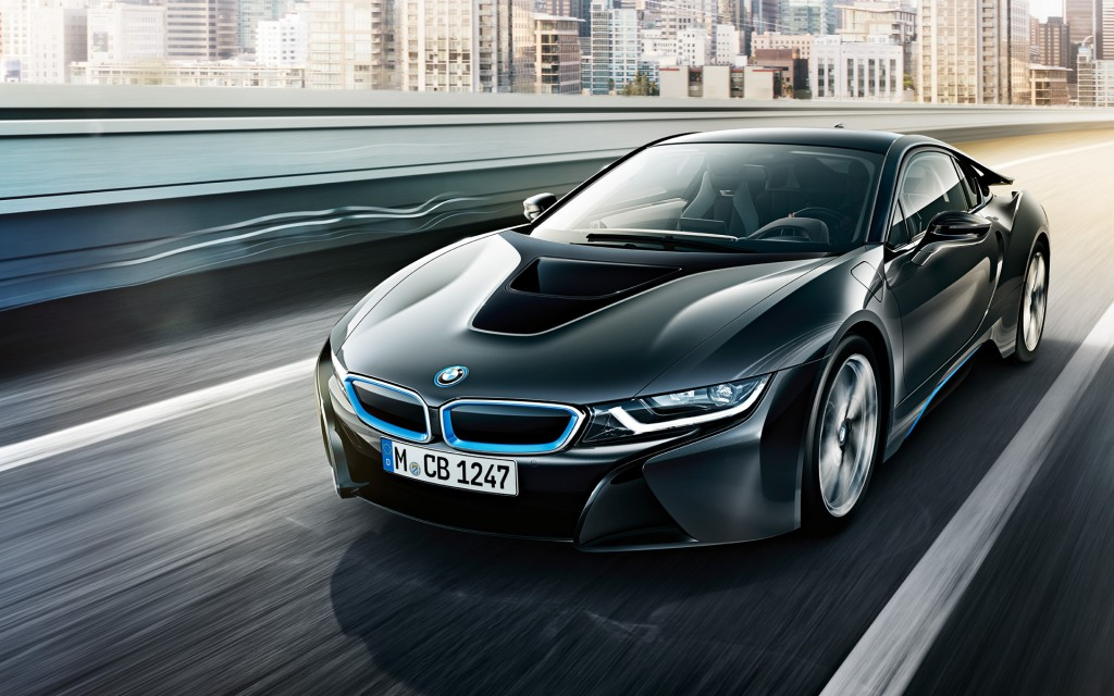 The i8 plug-in sports car is equipped with an engine and an electric motor, which can be charged from outside. (image: BMW)