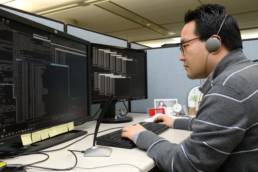 Thanks to the technology, financial institutes and companies running call centers can collect information such as interest fields based on customers' ages and gender, and their preferences. The voice data can be processed as management data through the technology. (image: ETRI)