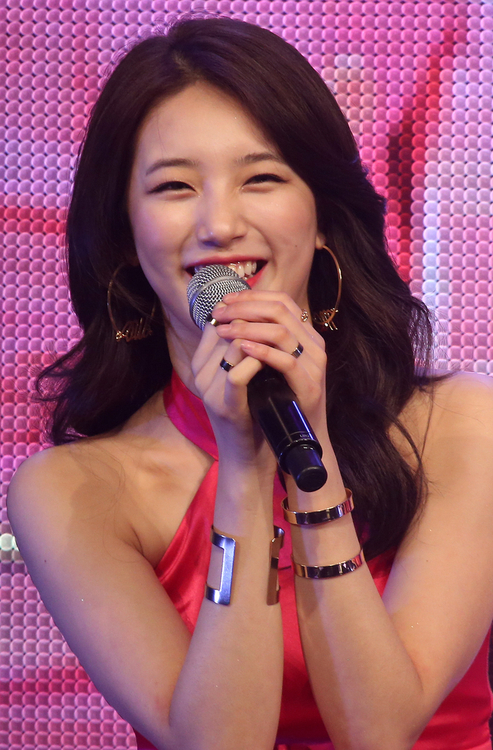 """Lee Is Caring and Warm"" Says Suzy after London Date"