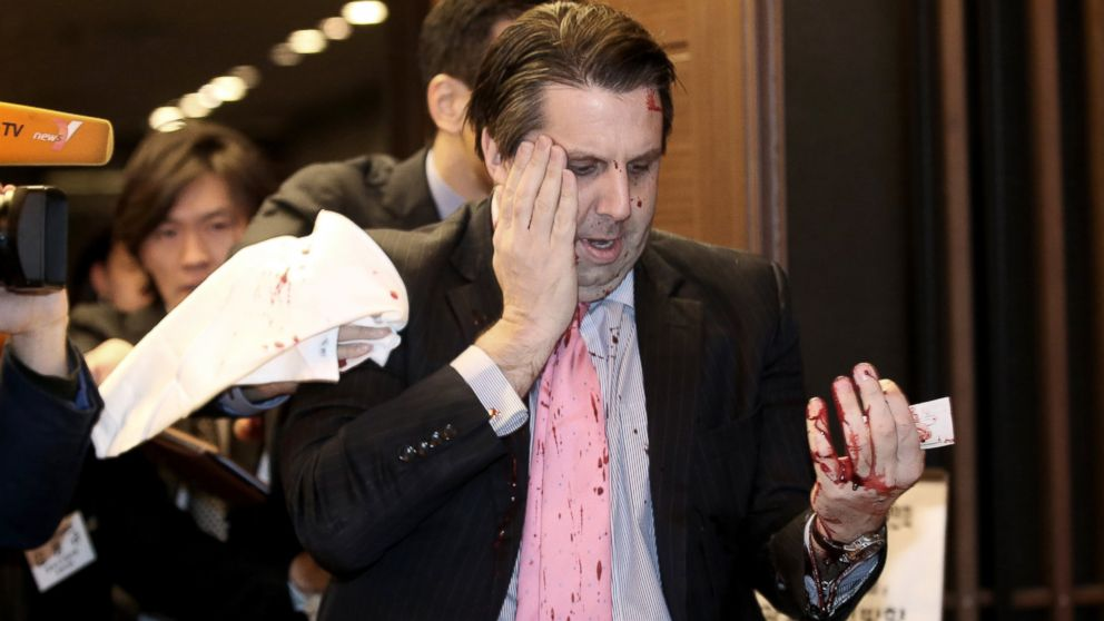 The U.S. Ambassador to South Korea Mark Lippert was attacked in Seoul today while giving a speech. (image: Yonhap)