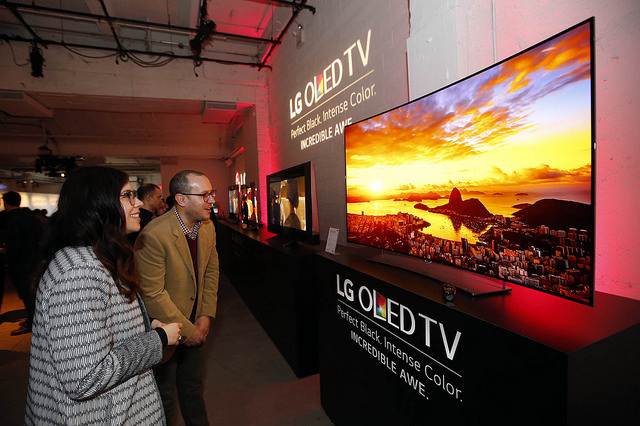 LG unveiled the Ultra OLED TV and Super Ultra HD TV before the press at a launch event held in New York. (image: LG Electronics)