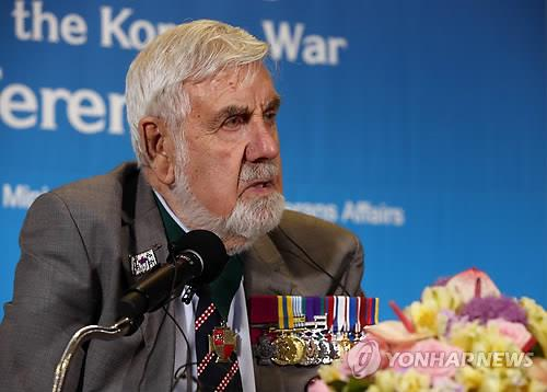 William Speakman, a Korean War hero from Britain, speaks during a press conference in Seoul on April 21, 2015. (Image: Yonhap)