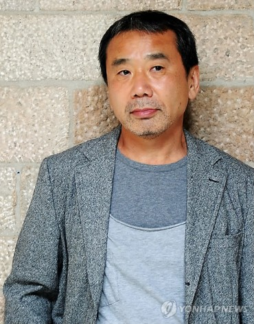 Murakami Urges Japan to Apologize for History