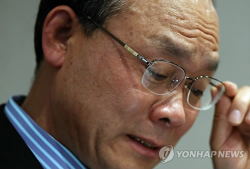 Sung Wan-jong, former head of the troubled Keangnam Enterprises Ltd., made the allegation in a handwritten note he left before he hanged himself. (image: Yonhap)