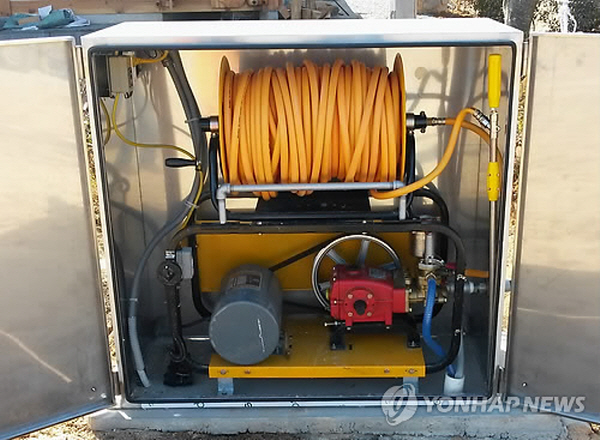 With a built-in 100-meter long hose, the hydrant is easy to operate. (image: Yonhap)