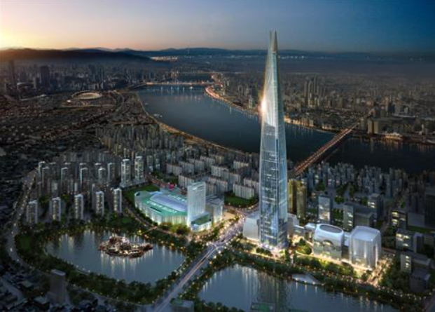 While Lotte did not reveal details about their offices, industry watchers expect they will be located between the 108th and 114th floors, which have been designated for private offices.  (image courtesy of Lotte group)