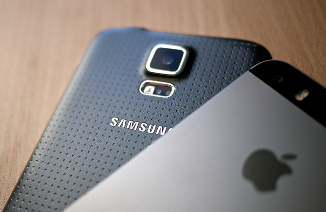 """The U.S. Court of Appeals for the Federal Circuit made the decision that Samsung did not infringe upon Apple's """"trade dress"""" intellectual property, partially overturning an earlier jury decision. (image: Kārlis Dambrāns/flickr)"""