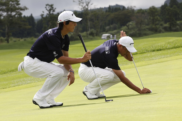 According to the Korea Leisure Industry Institute and golf-related clothing makers, the country's golfware market will likely grow 7.14 percent on-year to 3 trillion won (US$2.75 billion) in 2015. (image: HyundaiCardWeb/flickr)