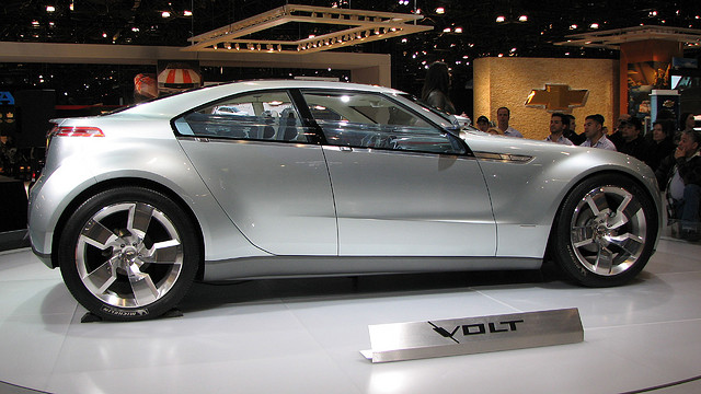 The Volt, which was first launched in 2010 in the United States and later in the European market, runs as a 100-percent battery-powered electric vehicle until the battery drops to a certain level. (image: drocpsu/flickr)