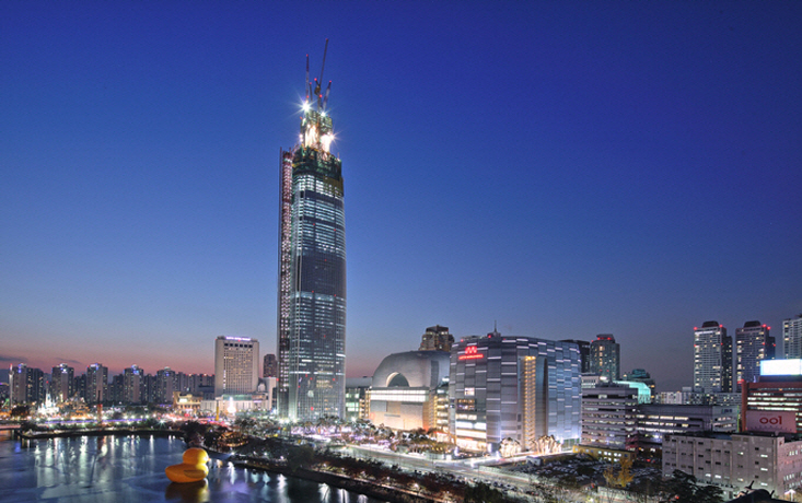 Disputed Lotte Skyscraper to Reopen Next Week as City Lifts Ban