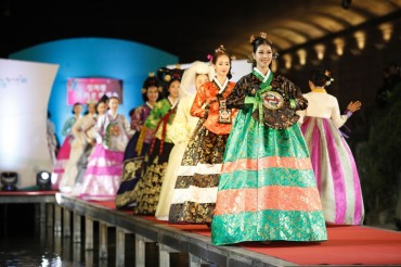 Guerrilla Gardening and World Traditional Clothing Show Coming to Cheonggyecheon