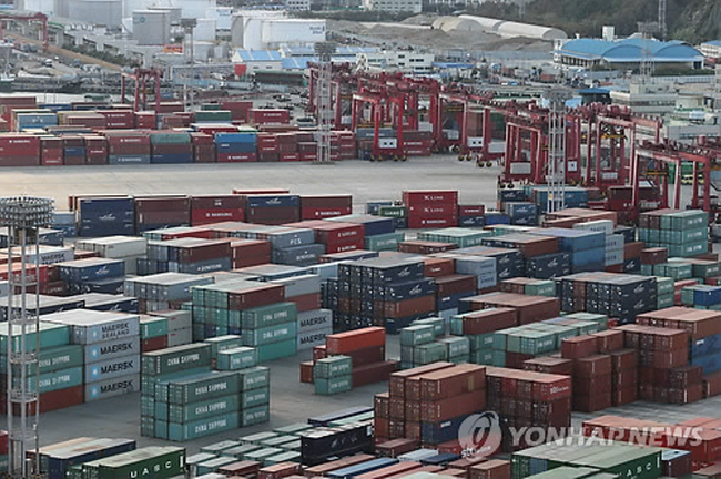 South Korea's trade dependence on Japan has dropped to the lowest level in decades. (image: Yonhap)