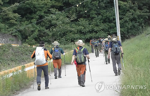Youth experts and family court judges will join the pilgrimage and heal their wounds by helping them settle their own problems and find their new selves. (image: Yonhap)