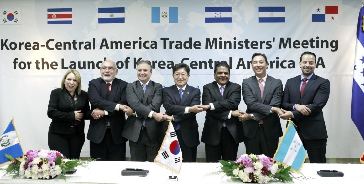 South Korea and a group of six Central American countries -- Guatemala, Panama, El Salvador, Honduras, Nicaragua and Costa Rica -- declared the official launch of their negotiations for a free trade agreement (FTA). (image: MOTIE)
