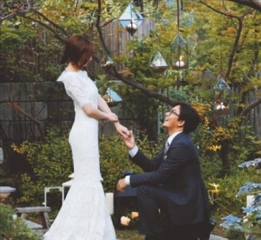 New Light Shed on Star Weddings after 'Yonsama' Gets Married