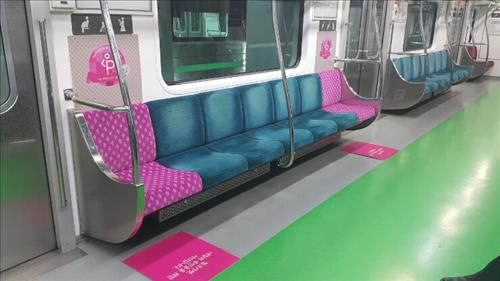 Seoul Metro Re-designs Seats for Expecting Mothers