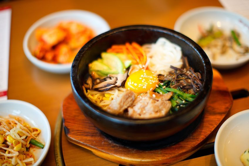 A group of Vietnamese celebrities will visit Jeonju, Sunchang, and Namwon to experience Korean food culture.