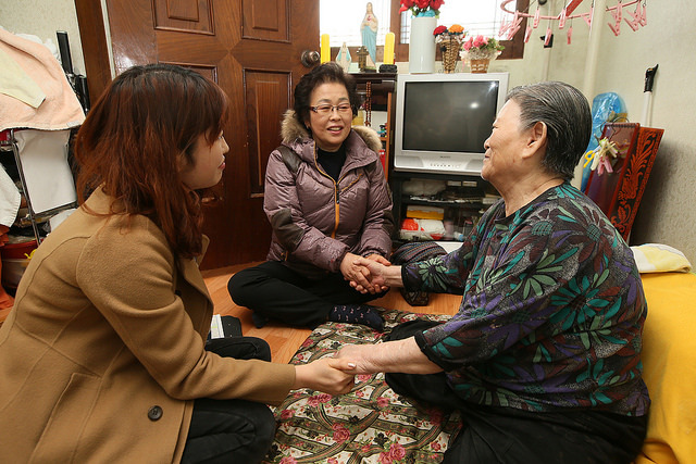Korea's national basic livelihood security supported individuals in need by selecting them on the basis of the minimum cost of living. (image: betterw/flickr)