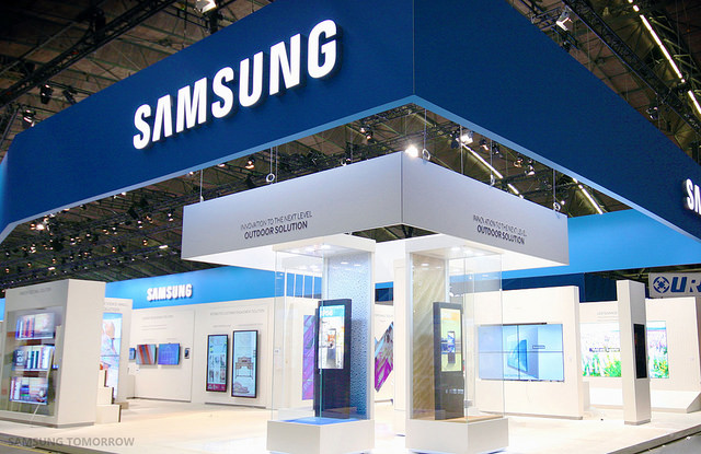 Samsung, the world's largest smartphone maker, has topped such tech peers as Microsoft, Google and Intel in terms of products and services, citizenship and governance, according to the report by U.S.-based corporate appraiser Reputation Institute. (image: Samsung Electronics)