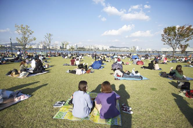 Enjoy Summer at the Han River