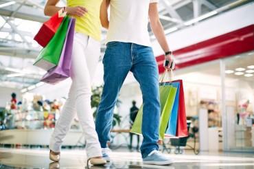 Bargain Sale Opens Consumers' Purses