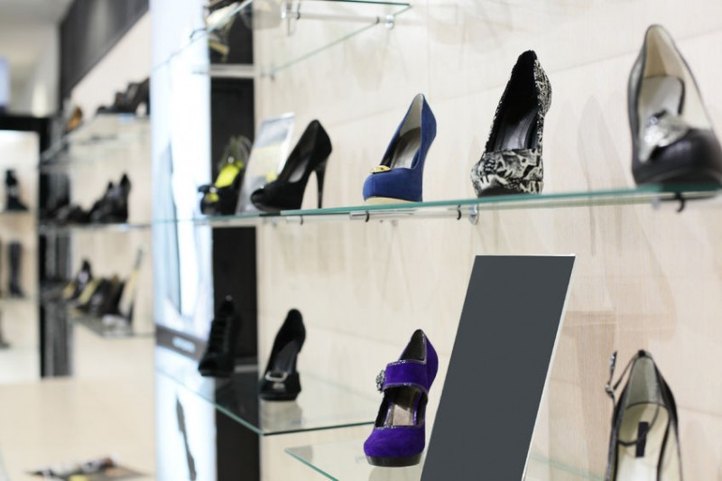 Famous Stores and Credit Cards Make Online Shoe Shopping Safer