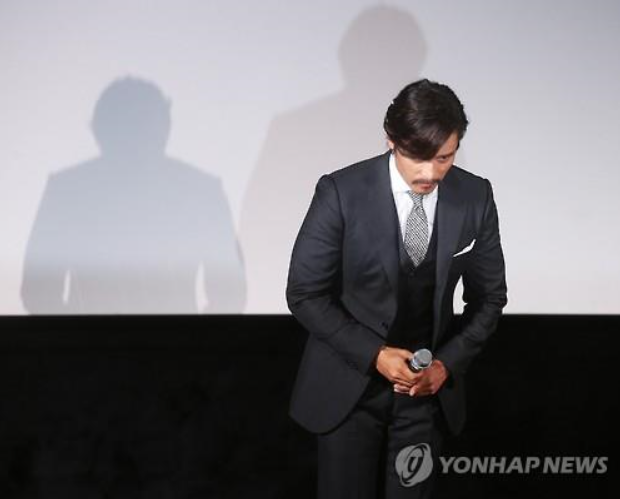 Lee Byung-hun Contrite about His Involvement in Blackmail Scandal