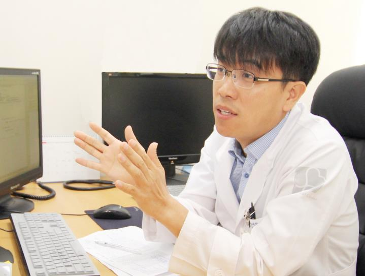 Hemato-oncology doctor Kim Yi-rang succeeded in developing a technology to cure and stop the spread of cancer through photodynamic therapy (PDT). (image: Sun Medical Center)