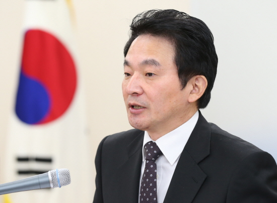 Jeju governor Won Hee-ryong visited Japan with his wife in January this year, and the provincial government spent 1.23 million won for her travel. (image: Jeju Self-governing Province)