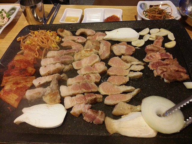 Samgyeopsal-gui, or grilled pork belly meat, is an extremely popular Korean BBQ dish. (image courtesy of Pixabay)