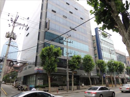 The Rocket Building in Yeoksam-dong was sold for 24.38 billion won, which was 47 million won over its estimated value. (Image : Yonhap)