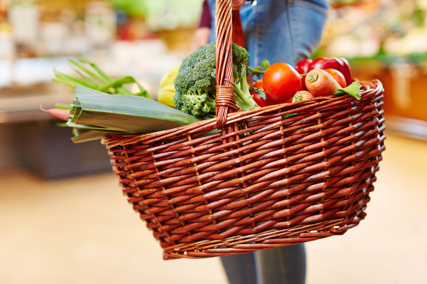 Recent statistics show that men are buying more fruits and vegetables instead of processed foods. (Image : Kobizmedia / Korea Bizwire)