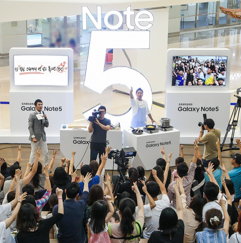 Samsung's New Phablets Sell like Hot Cakes on Home Turf