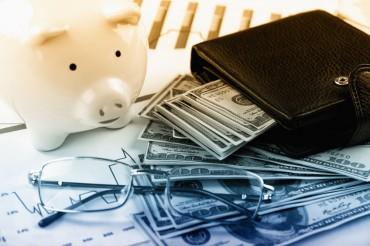 Loans to Big Firms Drop as Debt Market Increasingly Polarized
