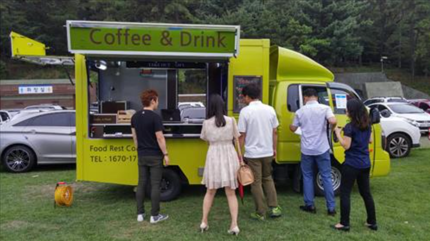 A food truck on the Fam Tour arranged by Gyeonggi-do (image courtesy of Seoul City Government)