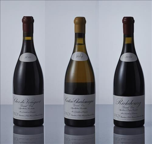 The 'Leloy Gift Set', which is a six-bottle wine set from the Leloy vineyard in Bourgogne, is priced at 33 million won. The cheapest wine product is KY wine from Chile, which is 25,000 won. (Image : Yonhap)