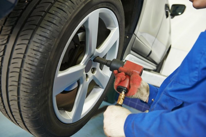 Carmakers in Festive Mood as Holidays Approach