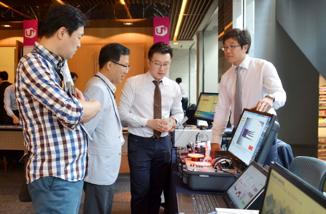 LG Uplus said it will seek to open its platforms to partners and developers, and help them join the IoT industry easily, hoping this will help them create new opportunities from servers to devices. (image: LG Uplus)