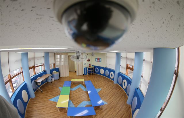 The Ministry of Health and Welfare said security cameras should be installed in places where babies and kids spend most of their time, and store footage for more than 60 days. (image: Yonhap)
