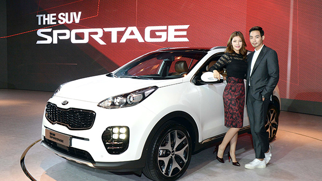 The latest edition of the Sportage equipped with a revamped design and an array of safety features is the fourth generation of the popular SUV model which debuted in 1993.  (image: Kia Motors)