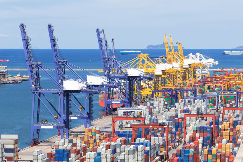 South Korea's exports are expected to continue to decline in the remainder of the year amid low oil prices and a slowing Chinese economy, a poll showed Friday. (Image : Kobizmedia / Korea Bizwire)