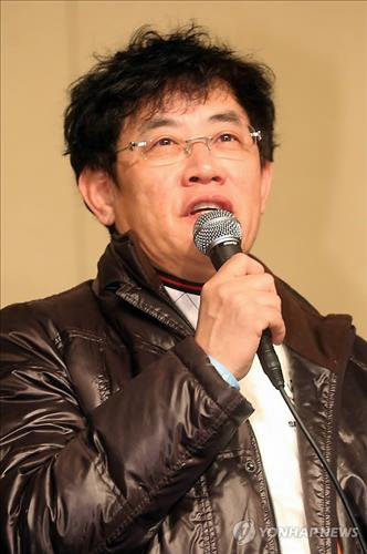 Comedian Lee Kyung-gyu revealed that he was diagnosed with panic disorder and took medication. (Image : Yonhap)