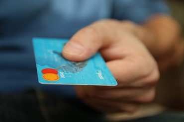 Credit Card Wars Start as Black Friday Approaches