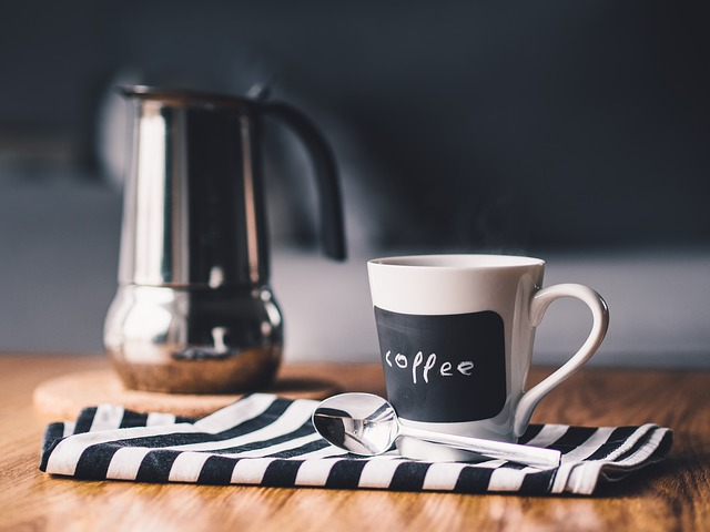 A new study shows that people who drink between three and five cups of coffee every day live longer than those who don't. (Image : fancycrave1 / Pixabay)